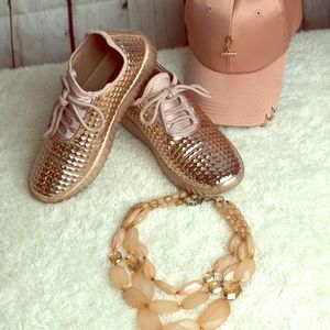 Shoes - 🧡 7.5 Sparkle Rose gold sneakers